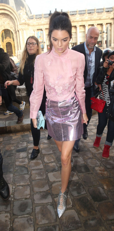 Kendall Jenner 2015 : Kendall Jenner: Arriving at Shiatz Chen Fashion Show -14