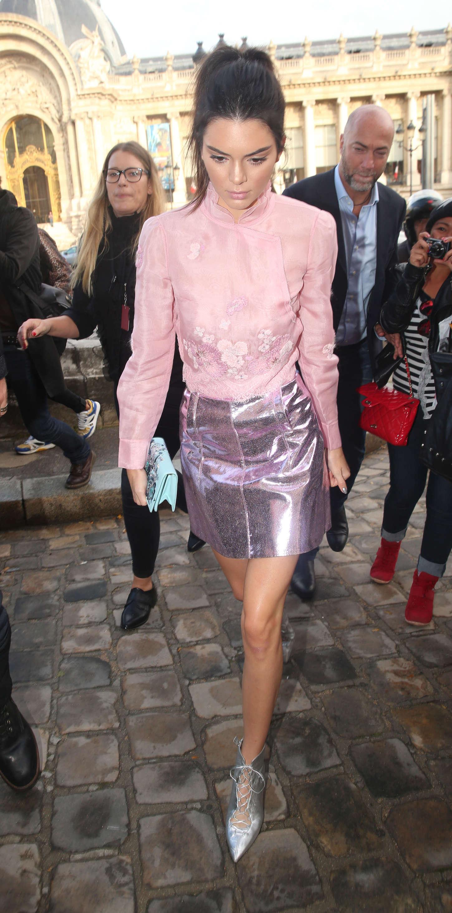 Kendall Jenner: Arriving at Shiatz Chen Fashion Show -14