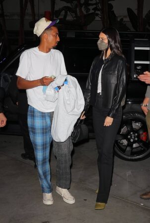 Kendall Jenner - Arriving at the Lakers vs Suns game at Staples Center in LA