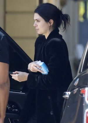 Kendall Jenner - Arriving for a photoshoot Los Angeles
