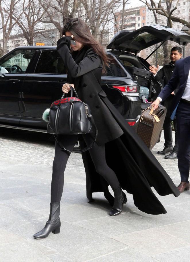 Kendall Jenner: Arriving in Milan -20