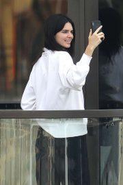 Kendall Jenner - Arriving in Sydney