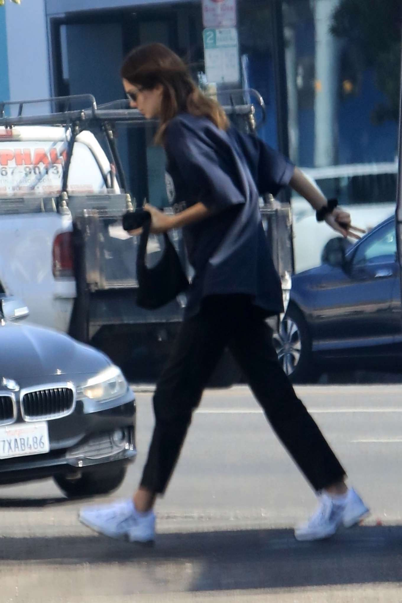 Kendall Jenner 2019 : Kendall Jenner at Aldreds Coffee in West Hollywood-02