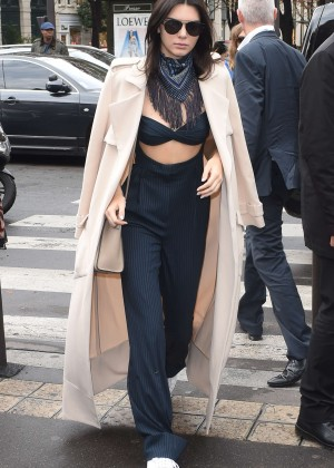 Kendall Jenner at L'Avenue Restaurant in Paris
