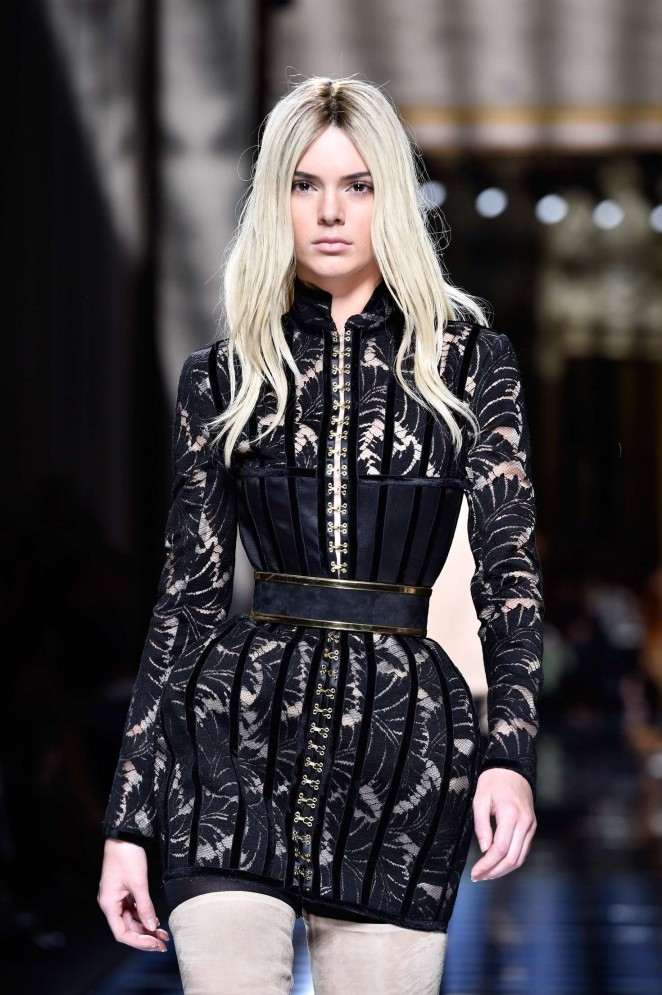Kendall Jenner - Balmain Fashion Show 2016 in Paris