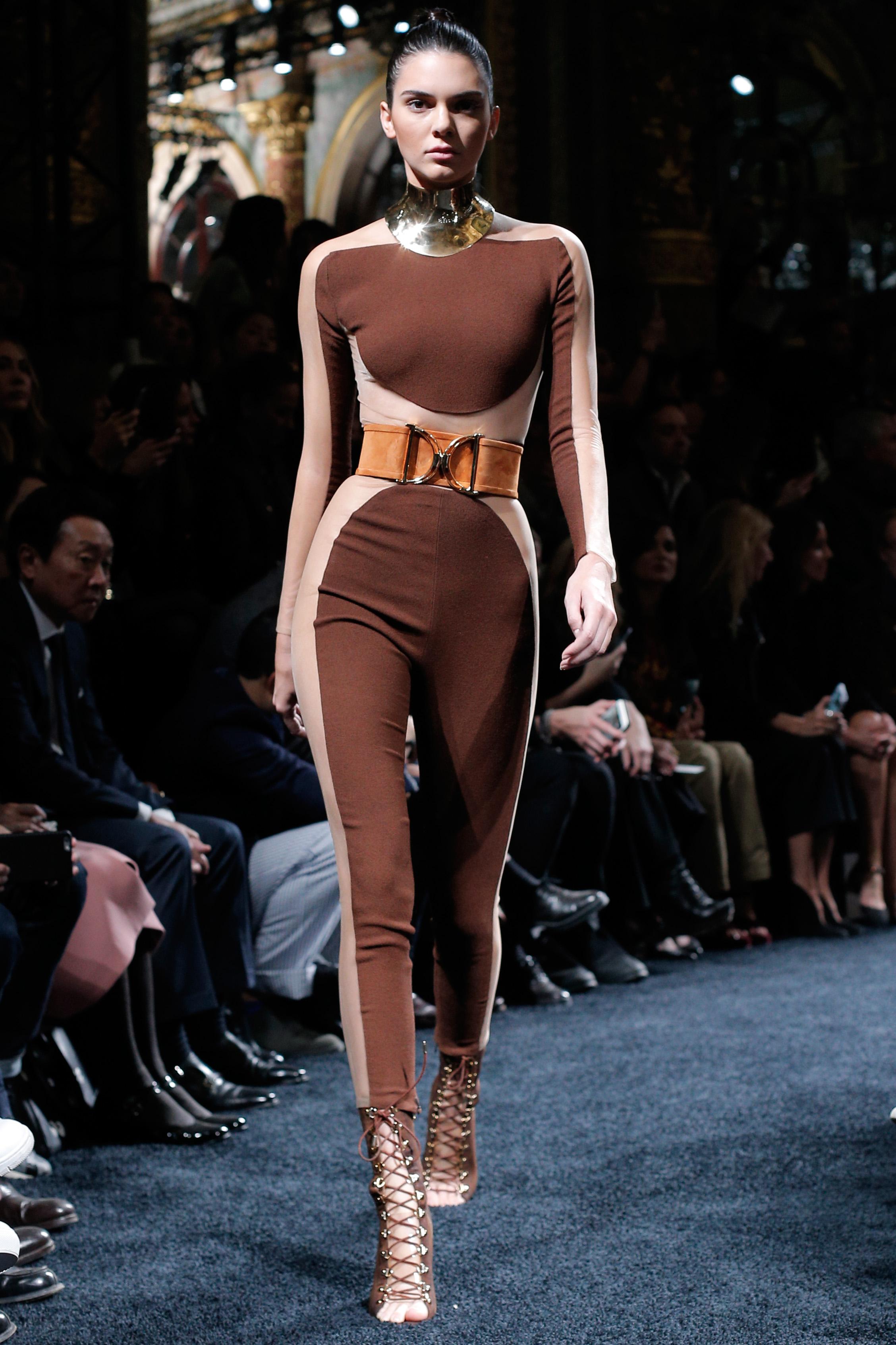 Kendall Jenner: Balmain SS 2016 Collection PFW -03