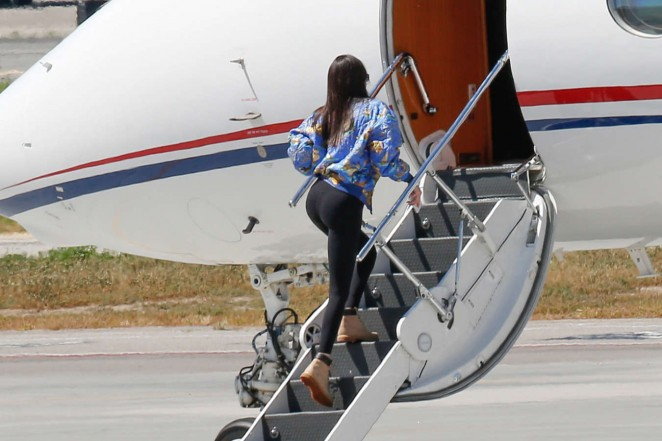 Kendall Jenner - Boarding a private plane in LA