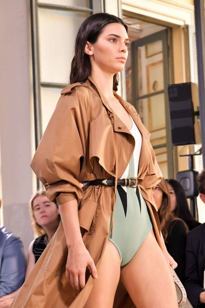 Kendall Jenner - Bottega Veneta show at 2017 Milan Fashion Week