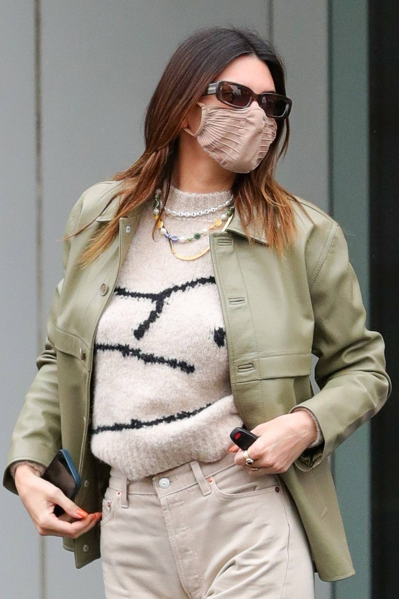 Kendall Jenner - Breakfast candids at Nate n Als in Beverly Hills