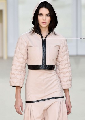 Kendall Jenner - Chanel Fashion Show 2016 in Paris