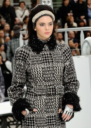 Kendall Jenner - Chanel Runway Show at 2017 PFW in Paris