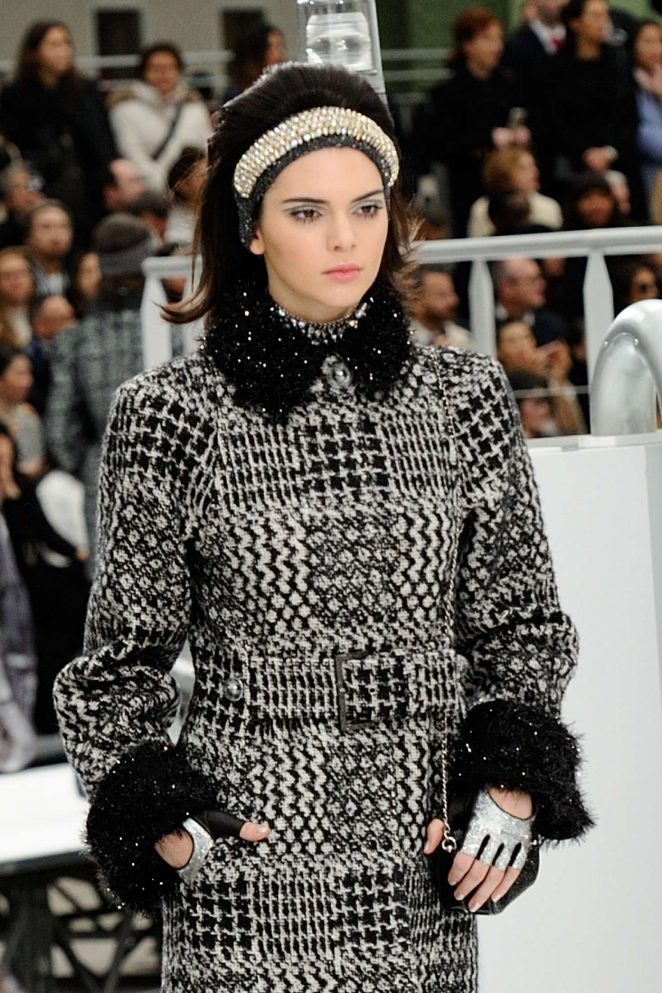 Kendall Jenner – Chanel Runway Show at 2017 PFW in Paris