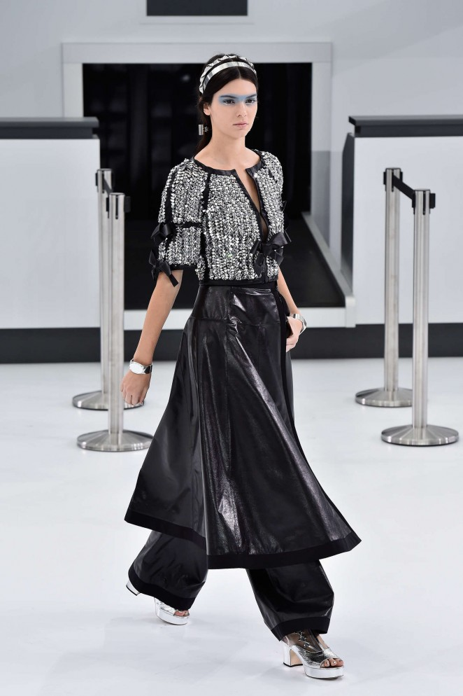 Kendall Jenner – Chanel Show at Paris Fashion Week Womenswear S/S 2016 in Paris