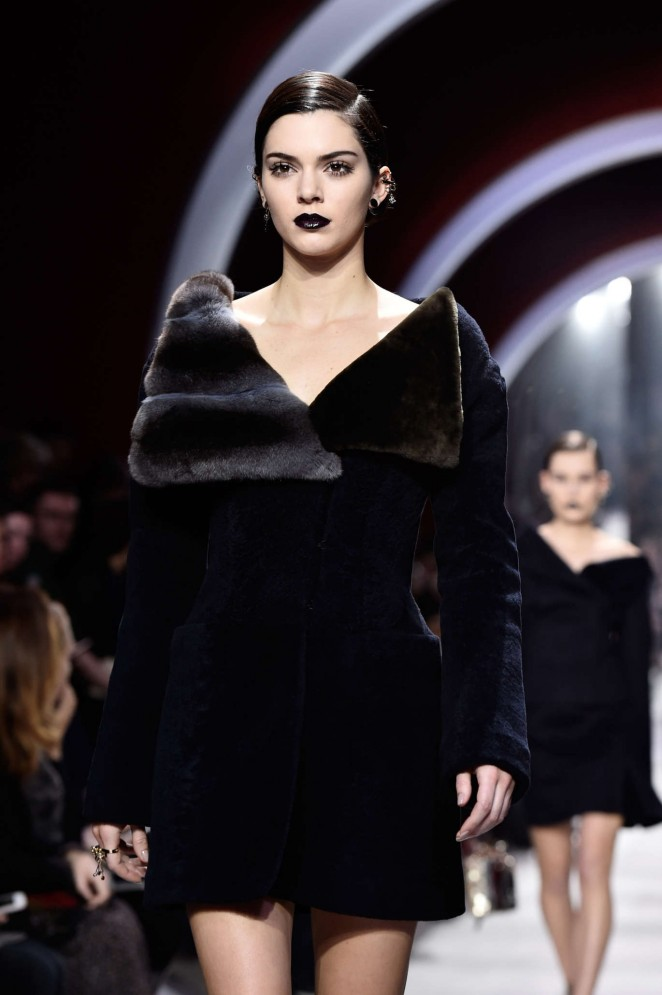 Kendall Jenner – Christian Dior Fashion Show 2016 in Paris