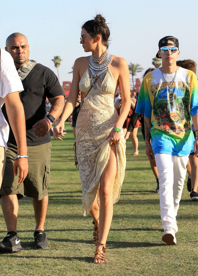 Kendall Jenner: Coachella Valley Music and Arts Festival ...