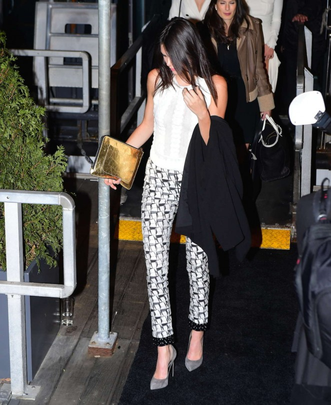 Kendall Jenner – Deboarding Karl Lagerfeld Cruise in NY