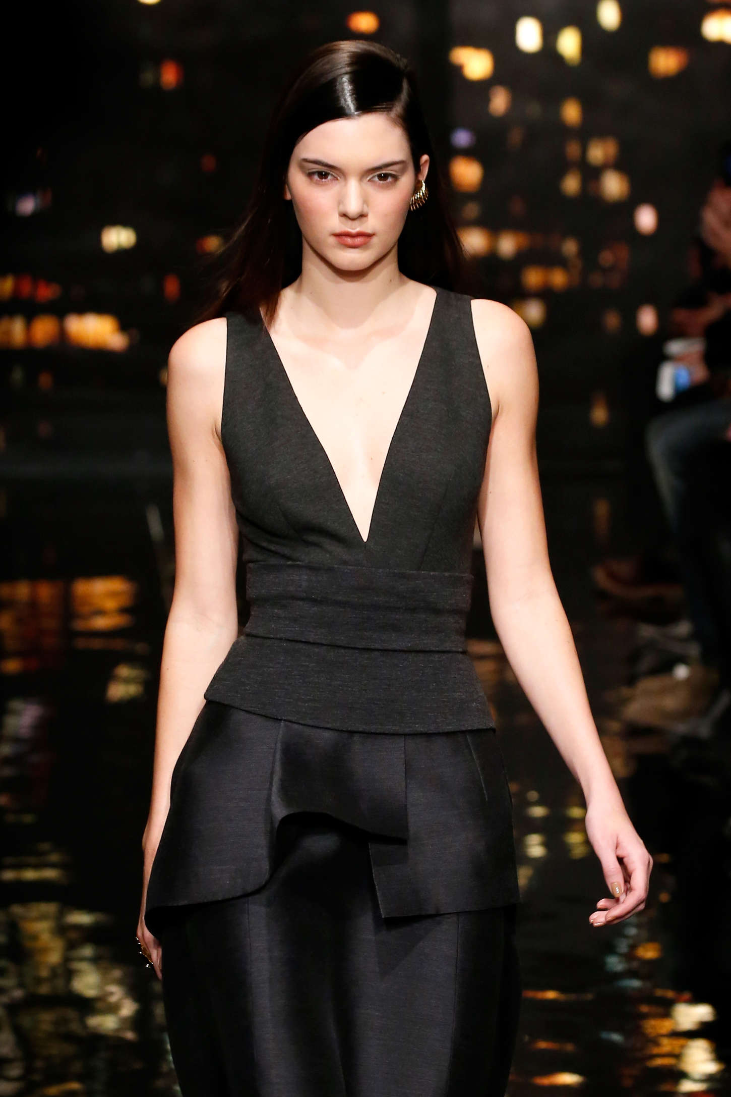 kendall jenner donna karan fashion show 2015 in nyc. Black Bedroom Furniture Sets. Home Design Ideas