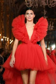 Kendall Jenner - Giambattista Valli Loves H&M Runway Show in Rome