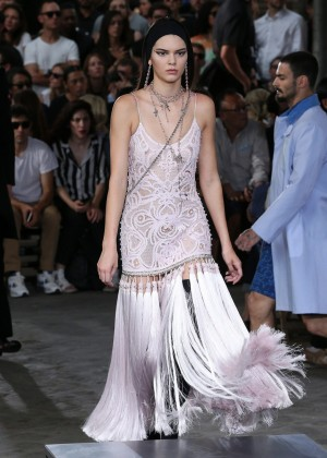 Kendall Jenner: Givenchy 2016 Fashion Show -07