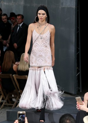 Kendall Jenner: Givenchy 2016 Fashion Show -08