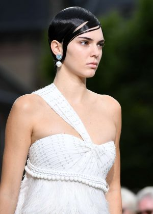 Kendall Jenner - Givenchy Spring/Summer 2017 Paris Fashion Week in Paris