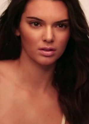 Kendall Jenner: GQ 2015 (Behind the Scenes) -28