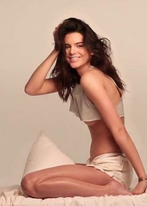 Kendall Jenner: GQ 2015 (Behind the Scenes) -29