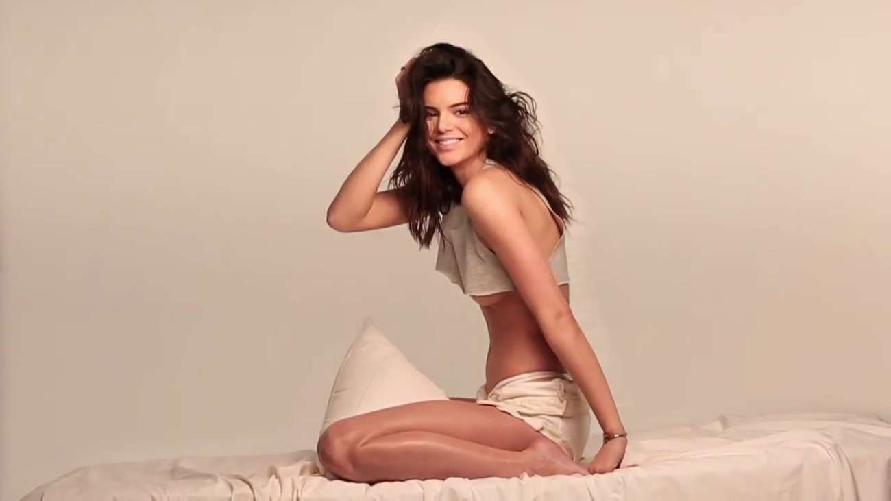 Kendall-Jenner:-GQ-2015-(Behind-the-Scen