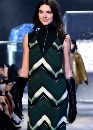 Kendall Jenner - H&M Fashion Show 2015 in Paris