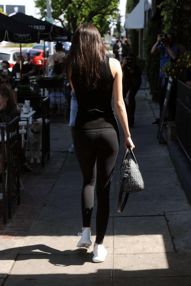 Kendall Jenner Booty in Leggings -06