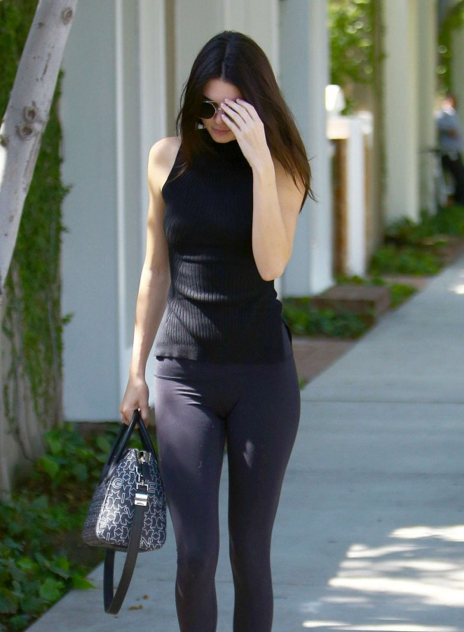 Kendall Jenner Booty in Leggings -39