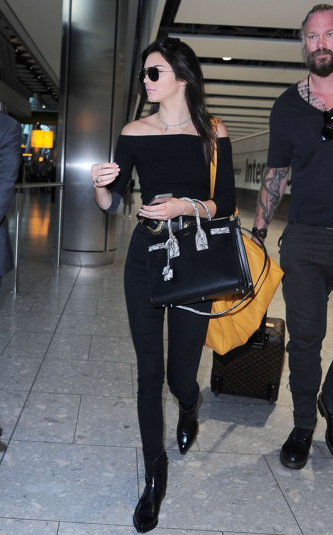 Kendall Jenner - Heathrow airport in London