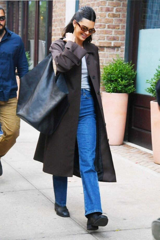 Kendall Jenner - In a brown trench coat and blue denim steps out for lunch in New York City