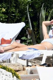 Kendall Jenner in Bikini at Eden Roc hotel in Cannes