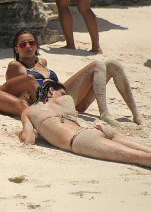 Kendall Jenner in Bikini -01