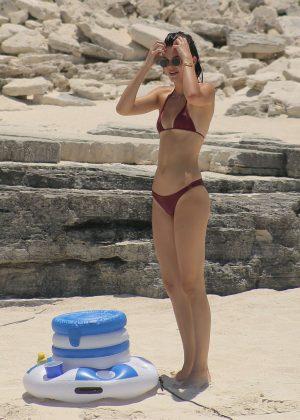 Kendall Jenner in Bikini -31