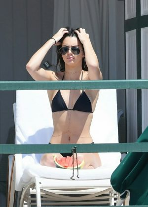 Kendall Jenner in Black Bikini Pic 9 of 35