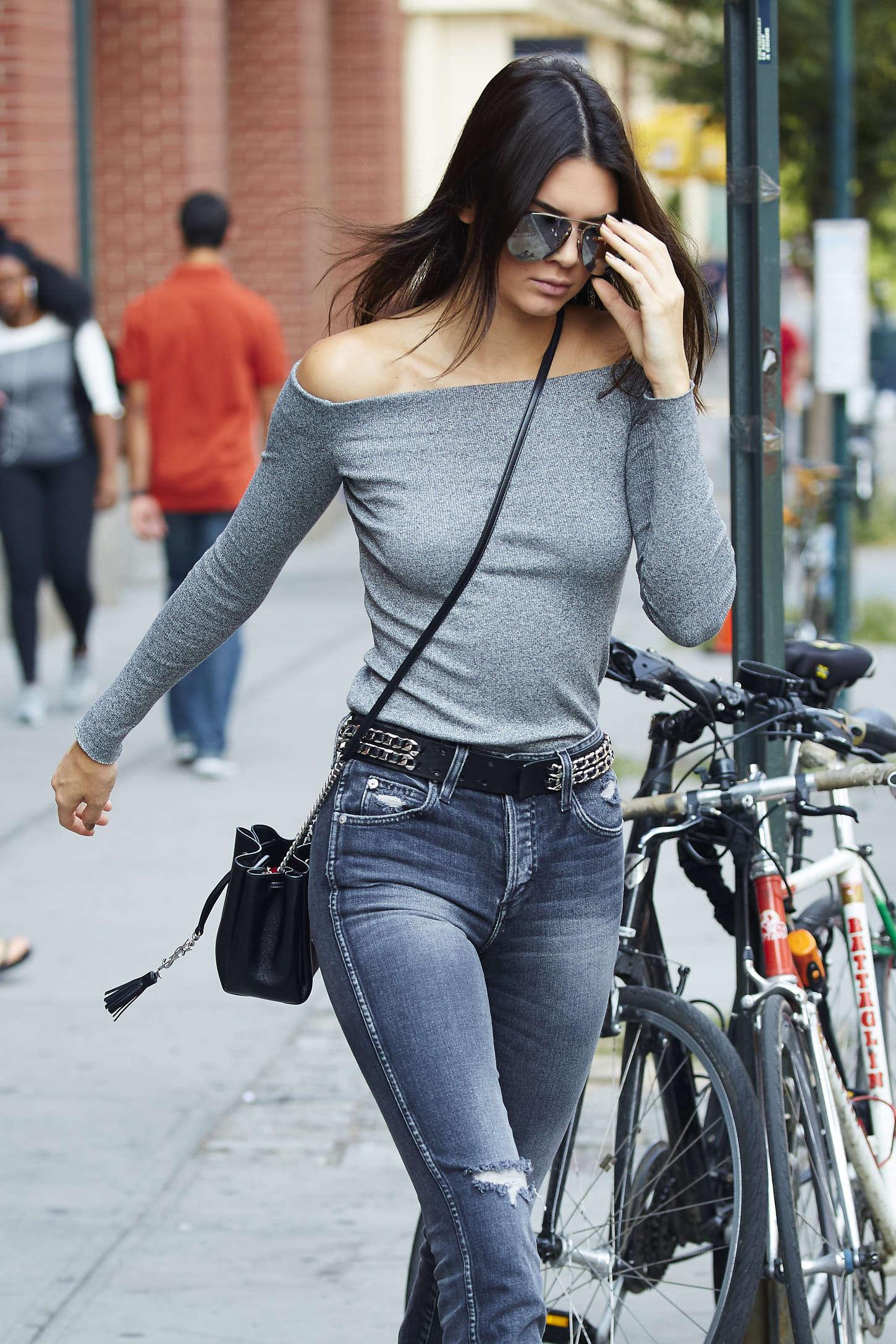 Kendall Jenner In Skinny Jeans 05 Gotceleb