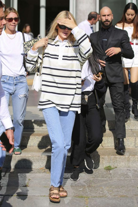 Kendall Jenner in Jeans - Out in Milan