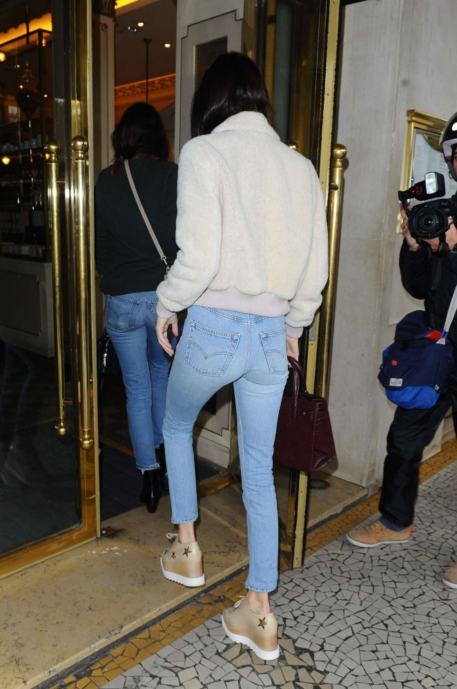 Kendall Jenner in jeans out in Paris