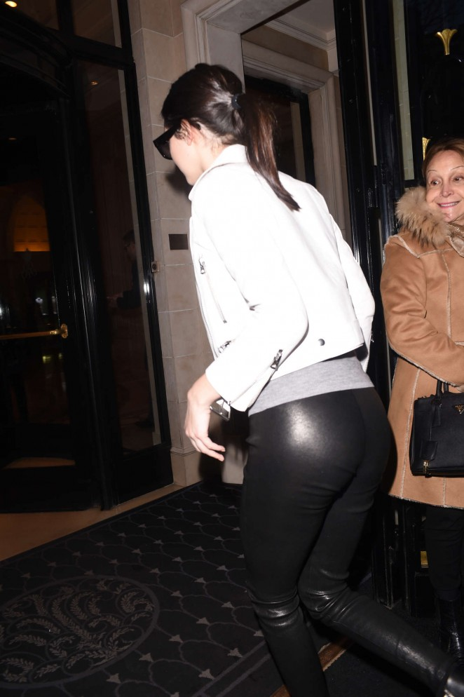 Kendall Jenner in Leather – Out & About in Paris