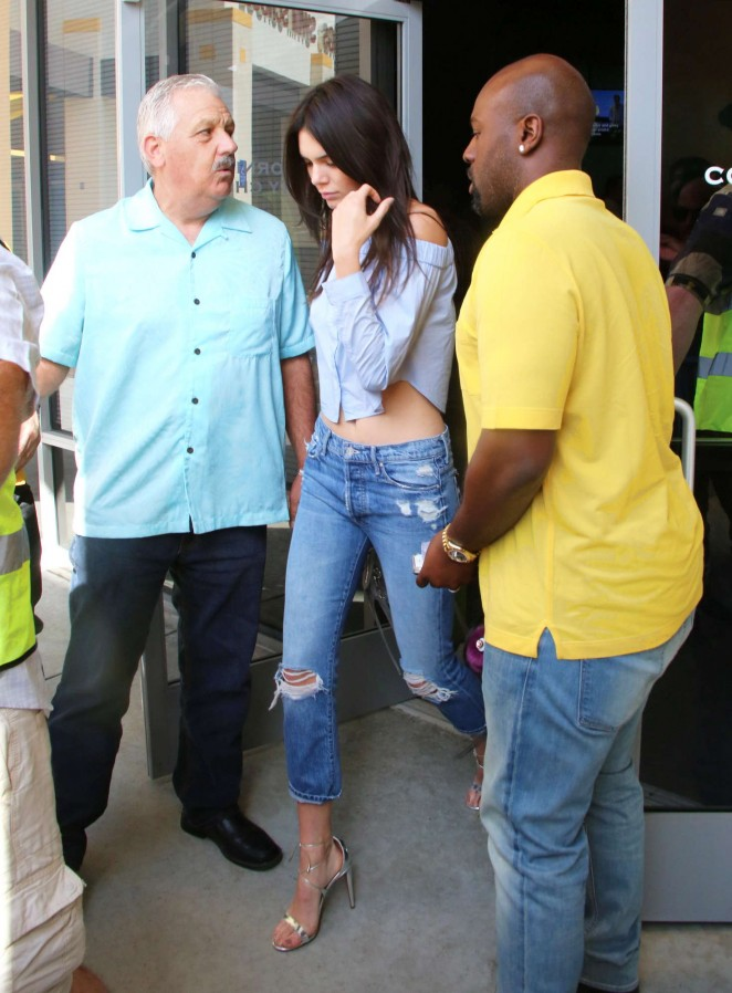 Kendall Jenner in Ripped Jeans -02