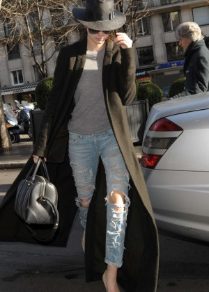 Kendall Jenner in Ripped Jeans Out in Paris