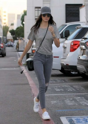Kendall Jenner in Tight Jeans Out in LA