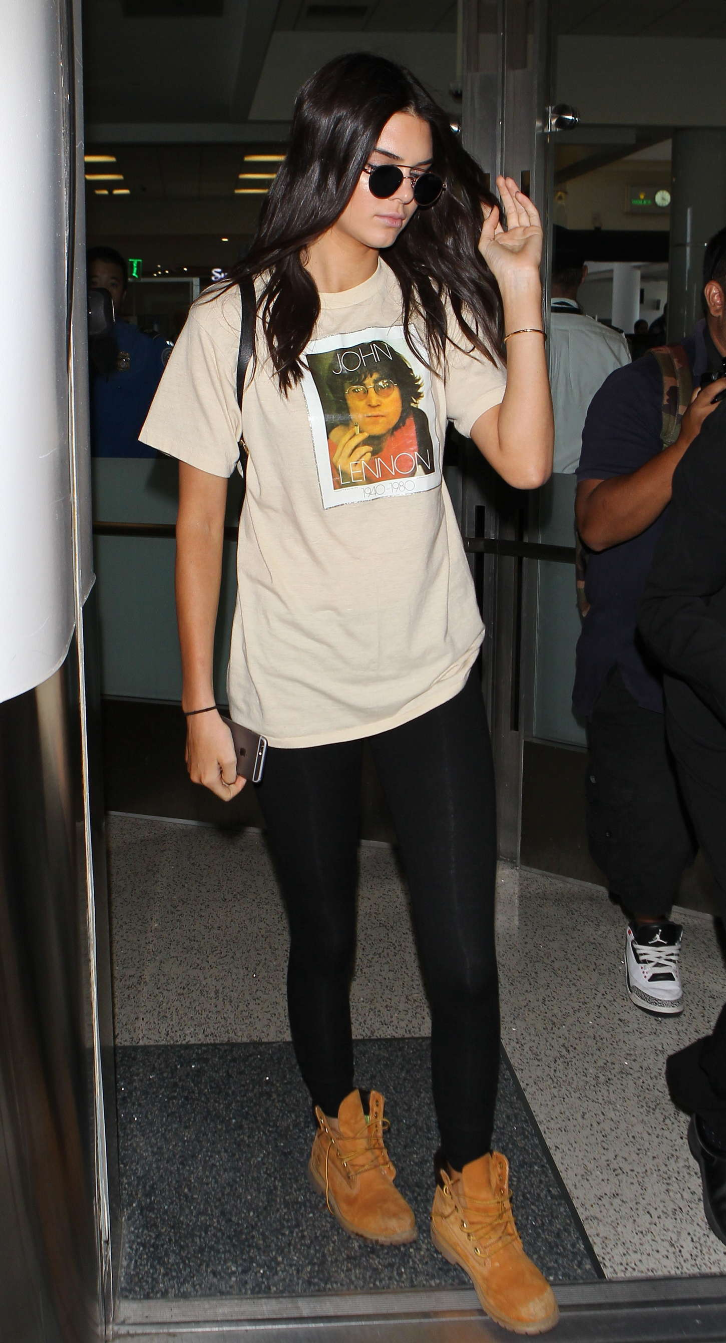 Kendall Jenner 2015 : Kendall Jenner in Tights at LAX -04