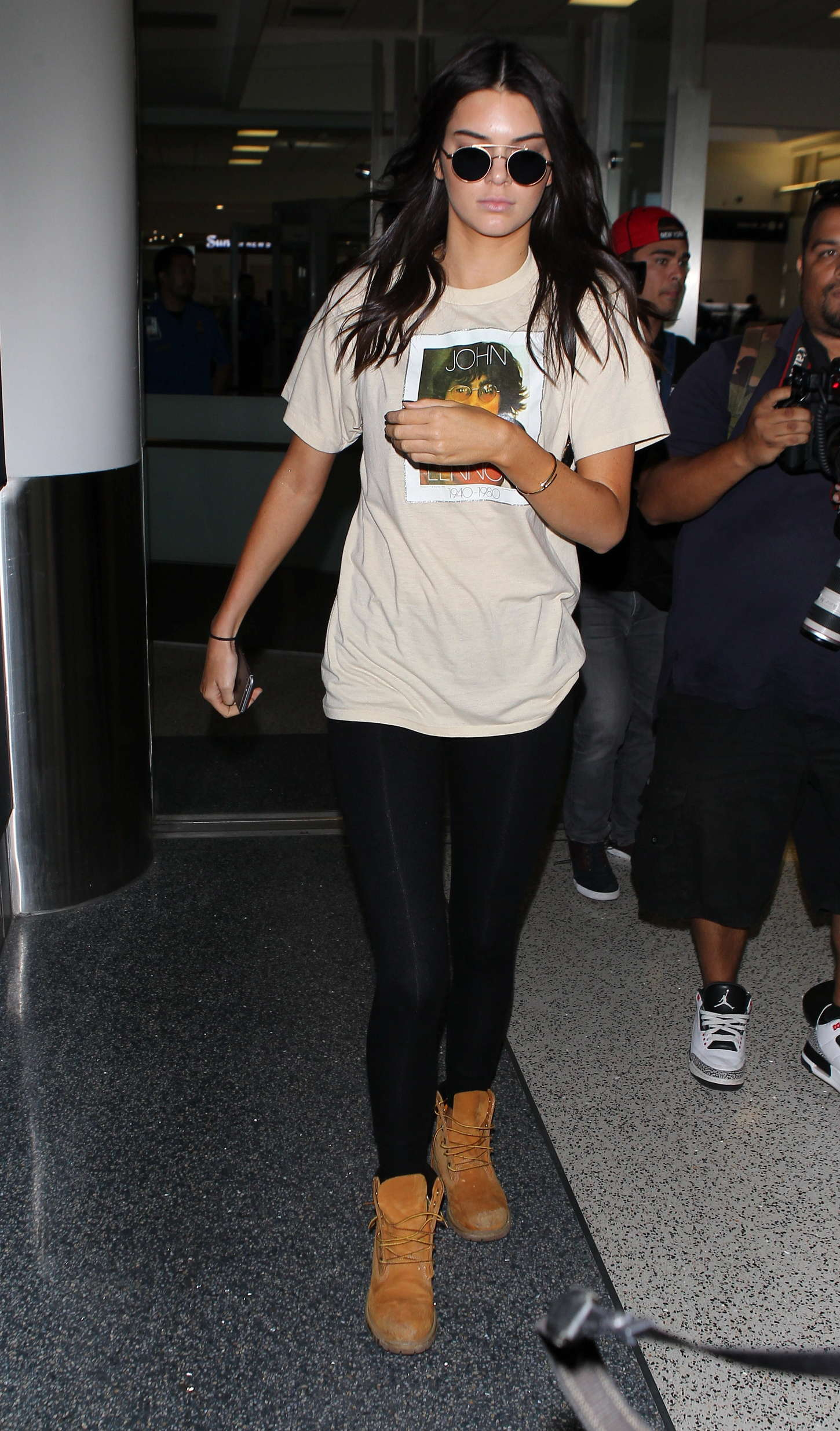 Kendall Jenner 2015 : Kendall Jenner in Tights at LAX -08