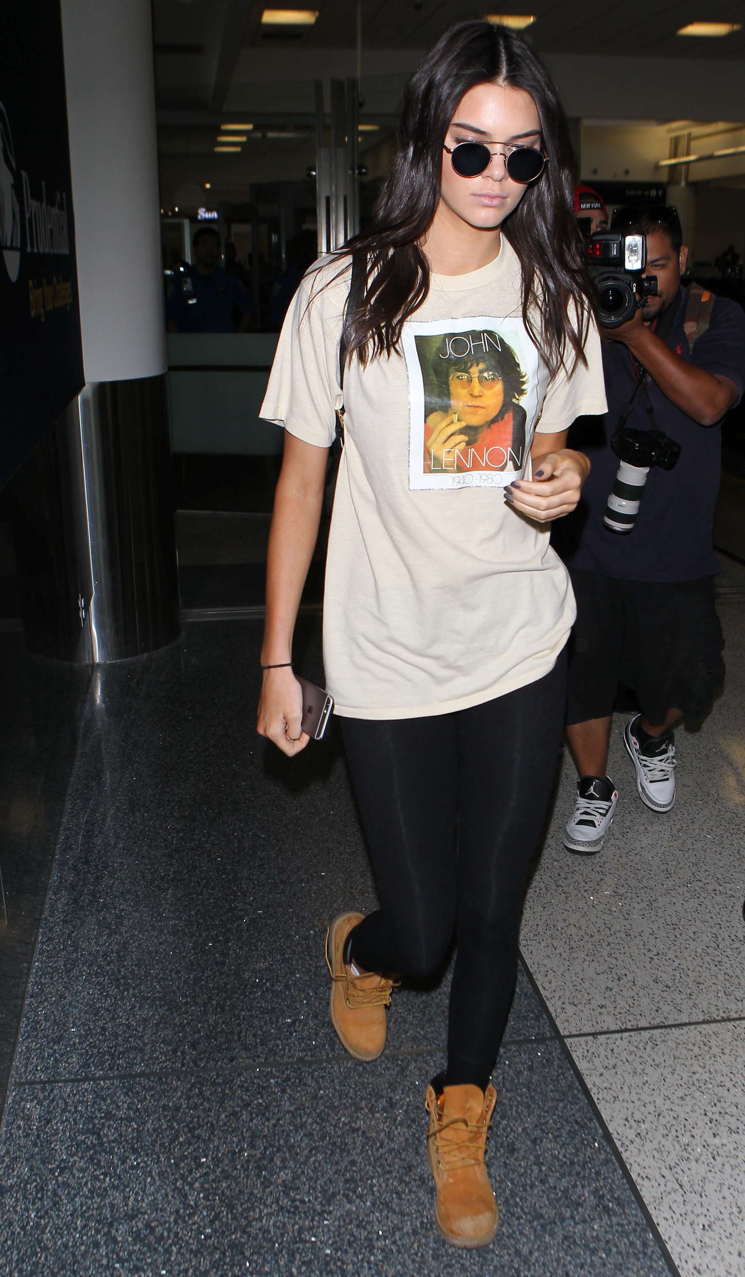 Kendall Jenner 2015 : Kendall Jenner in Tights at LAX -09