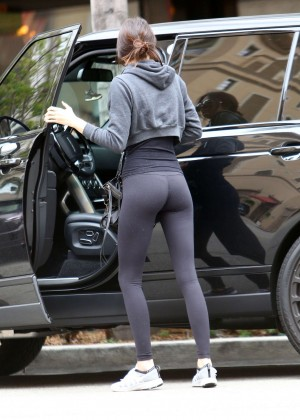 Kendall Jenner Booty in Tights -02