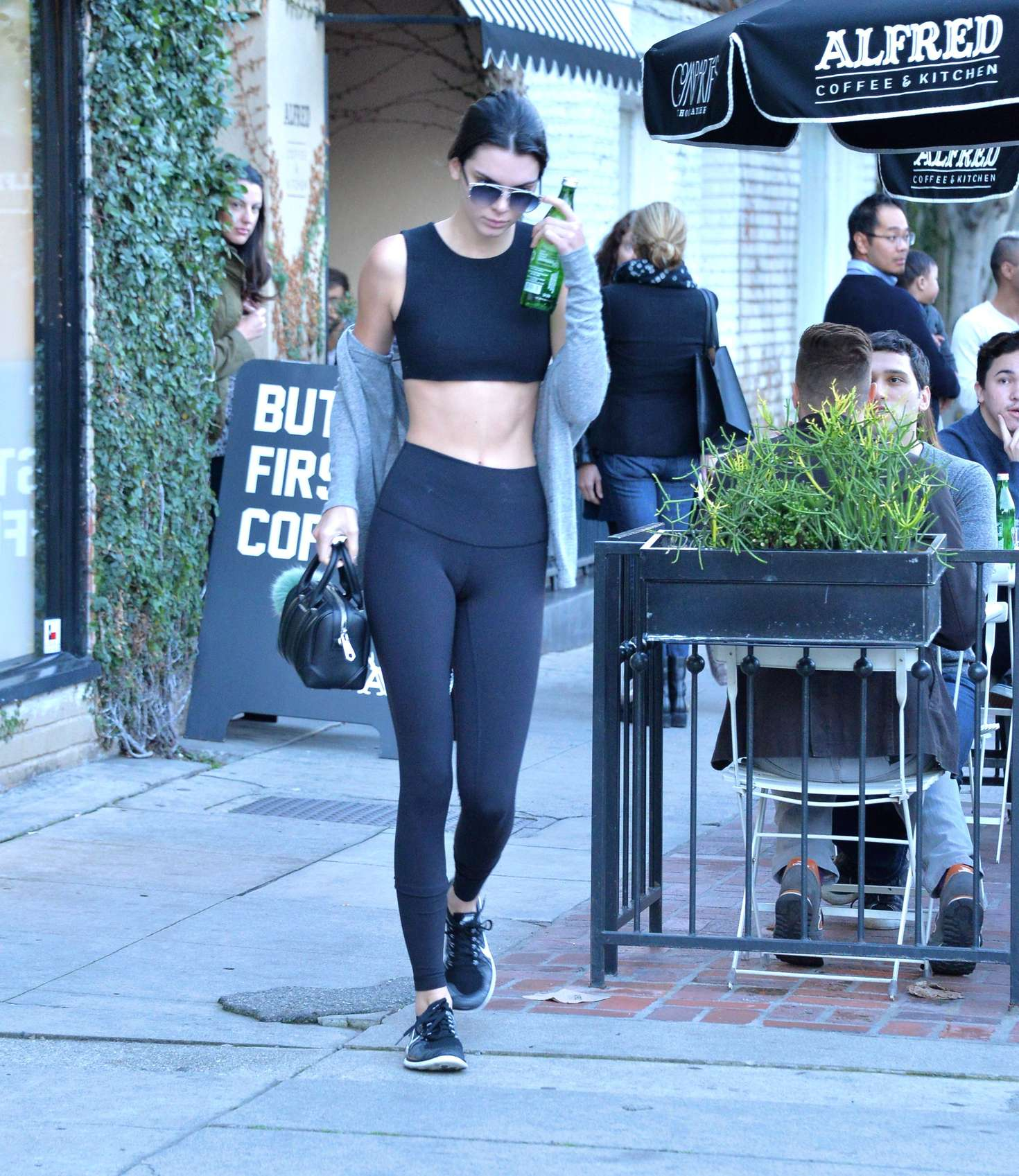 8408e24a05bda Kendall Jenner in Tights and Sports Bra -04 – GotCeleb