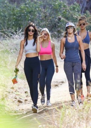 Kendall Jenner in Tights out for a hike -01